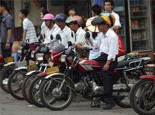 网络叫车服务太火热 摩托车都有了叫车软件
