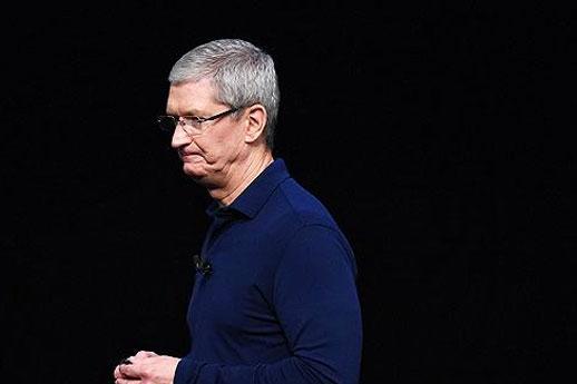 """苹果承认故意把旧iphone""""变慢"""","""