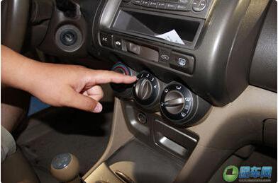 夏天开车你用对空调了吗——团车为您解读精彩