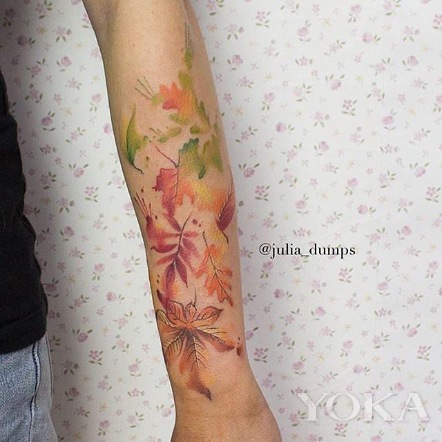 instagram网友太有才 用墨水画出秋天落叶纹身图案