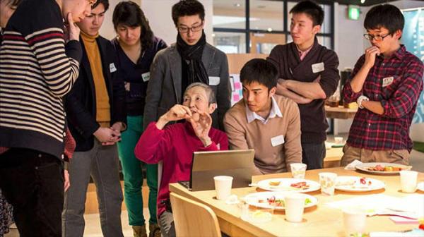 80多岁的她自学编程开发手游 曾参加苹果开发者大会