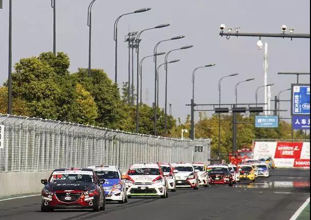 马自达即将来一场武汉街头的极速Battle