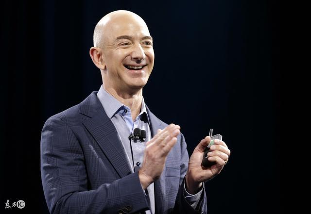 """重大消息!""""世界首富""""换人了!人类首个千亿美元富豪:贝索斯"""