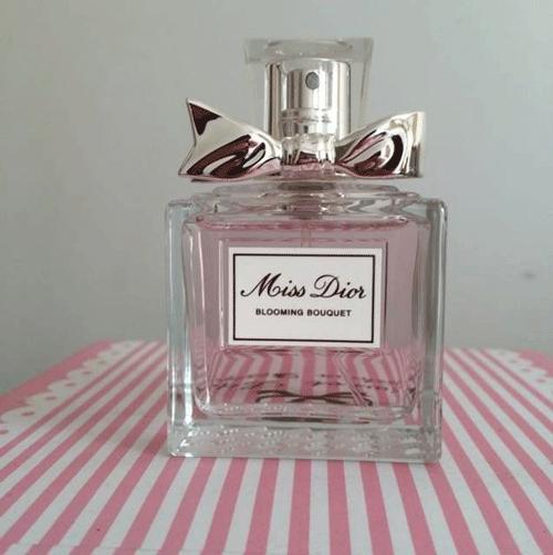告诉你香奈儿和迪奥的香水有什么不同?