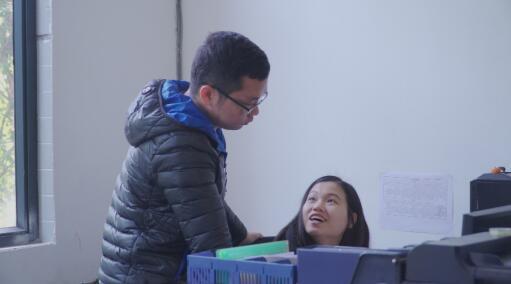 这群大学生创业一个月 成为广州大学城外卖销量冠军!