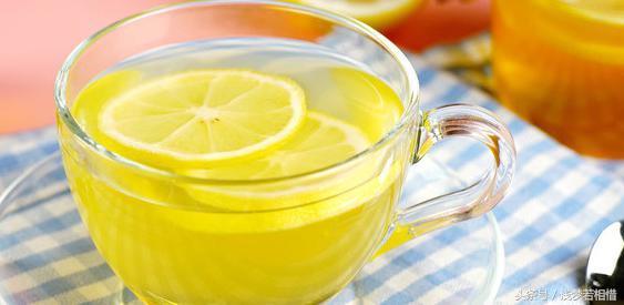 柠檬水的正确泡法美白减肥(掌握小窍门才能喝到正宗的柠檬水) 网络快讯 第4张