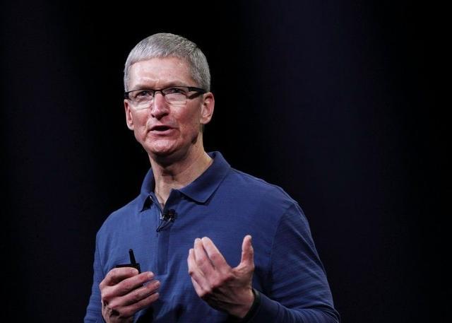 """苹果承认故意把旧iphone""""变慢"""",可能会被罚9990亿美元"""
