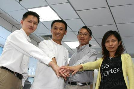 18岁保送北大,3次创业32岁搞出300亿,比马云马化腾还会玩资本