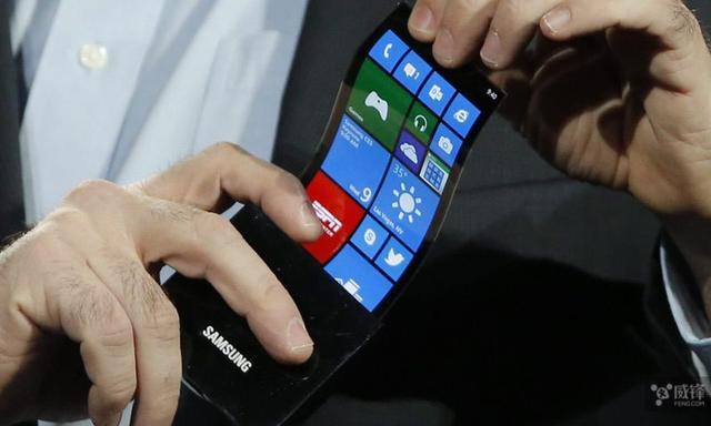 第一批可折叠手机将于今年亮相 苹果缺席!