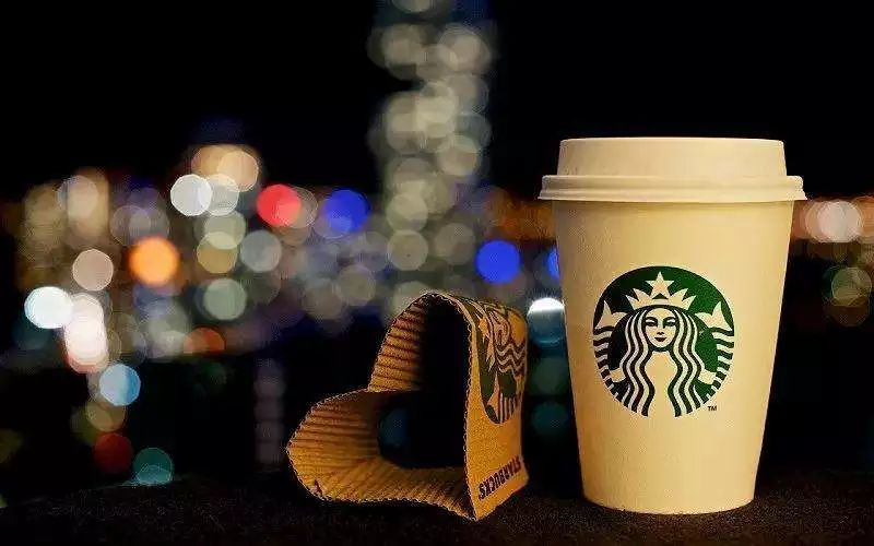 星巴克开通外卖业务对战互联网咖啡,这skr什么操作
