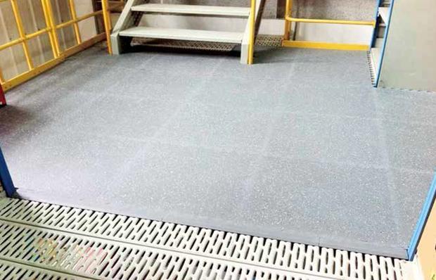 溜冰场专用橡胶地板哪个好(如何使用)