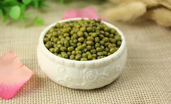 绿豆汤解药吗(都说吃绿豆汤可以解毒是真的吗?)