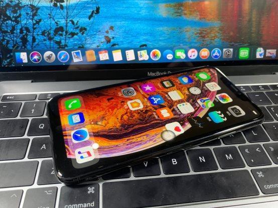 华强北再出绝招,高仿iPhone Xs系列毫无瑕疵