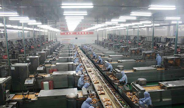 """曾被视为垃圾食品,如今一年卖100亿包,老板人称""""男版老干妈"""""""