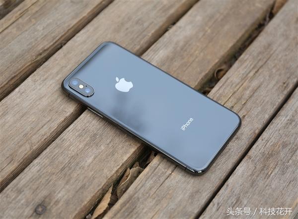 苹果不愿搬回美国,库克:回去就是衰败的开始,逃不脱中国的打击