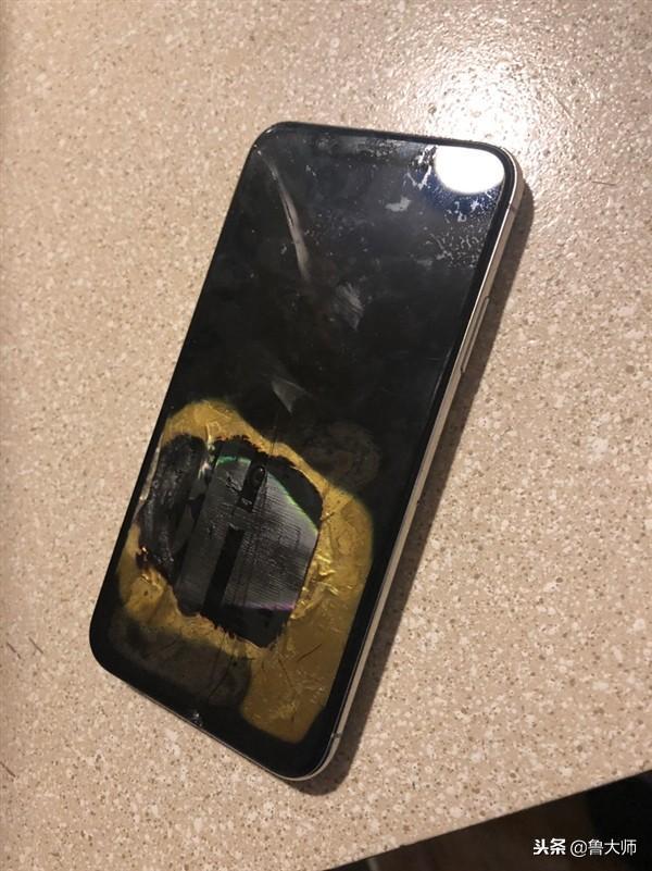退市后iPhone X也不省心 近日两度翻车!