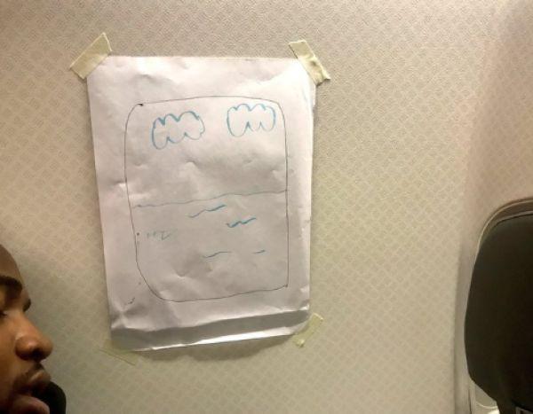 """乘客飞机上要换靠窗座,空乘""""神操作""""哈哈哈哈"""