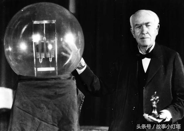 灯泡到底是谁发明的?是爱迪生还是他?