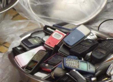 旧手机换脸盆,响彻大街小巷,这些人指望什么赚钱,知道后不敢换