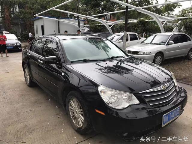 很多人还不认识这款车,北京奔驰-戴克成立之后引进并国产的第二款克莱斯勒车型,铂锐