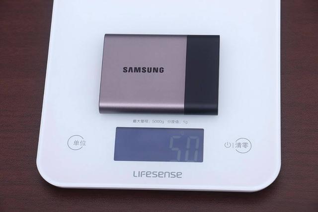 大容量小身材,闪迪 500G 三防移动固态硬盘上手玩