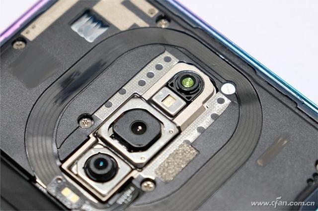 写在多摄爆发之前 理性看待手机摄像头的数量