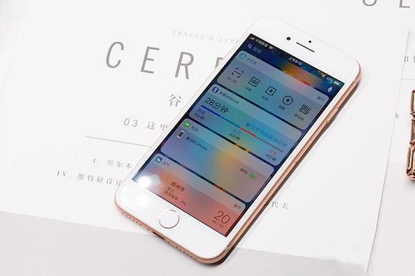 目前性能最好的小屏苹果手机,即将停产,性能堪比iPhone X!