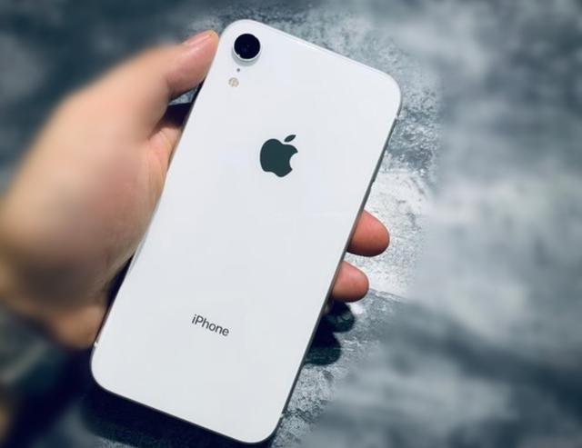 """除了""""大黑边"""",跌破5000的iPhoneXR,真的没有缺点了!"""