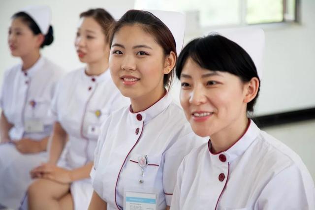 """""""网约护士""""来了,""""互联网+护理服务""""本月起在北京试点"""
