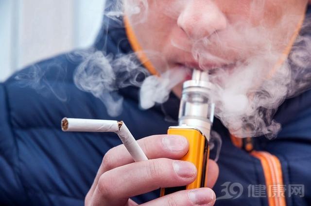 """电子烟能戒烟?烟民自述:真烟戒了,却上了电子烟的""""瘾"""""""