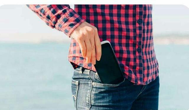 别把手机放裤兜里,会有什么结果?看完你就知道了