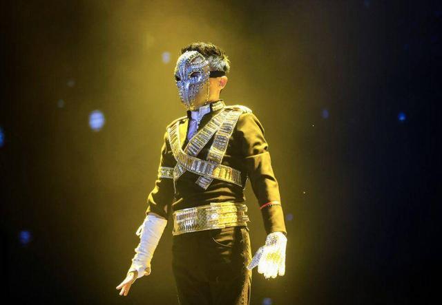 被电商耽误的天王巨星!看完马云的惊艳造型,真的很有时尚潜力