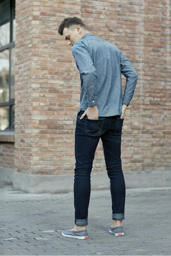 板鞋配什么裤子好看 巧搭配穿出时尚范儿