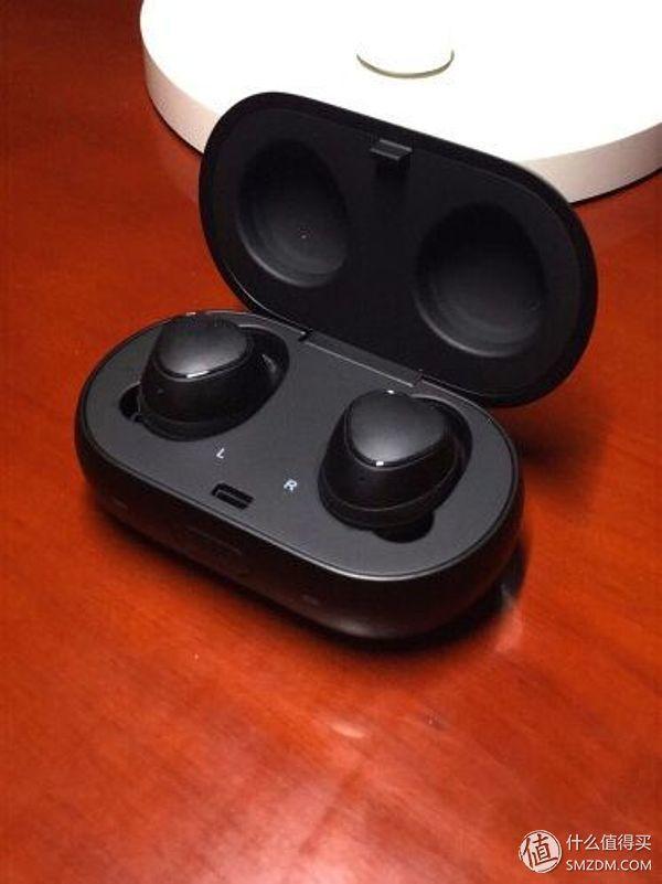 可能是唯一一款可以媲美AirPods的真无线耳机,三星Gear IconX