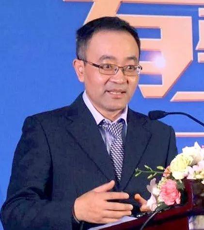 张涛甫:从竞争到融合的两大舆论场