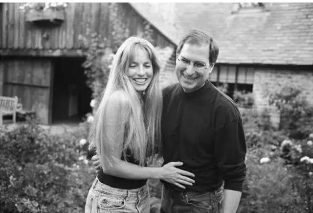 """我是""""苹果妈妈""""、继承了乔布斯167亿美元资产的妻子劳伦娜"""