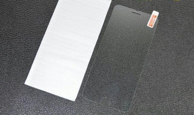 教你如何给手机贴钢化膜?