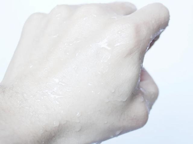 """防晒霜界的""""大哥大""""不是安耐晒,而是理肤泉,全波段防护很良心"""