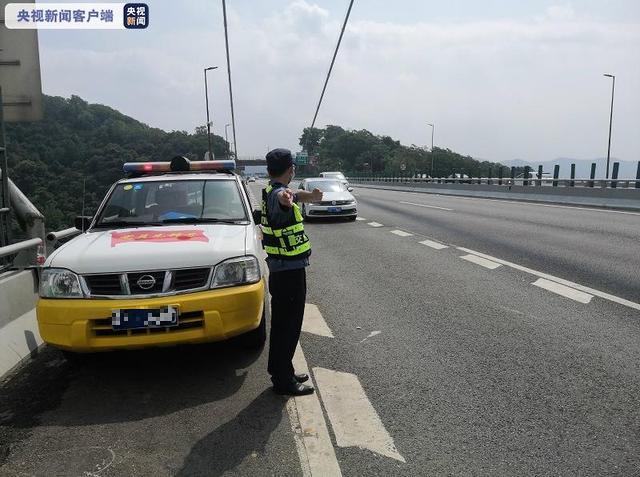 虎门大桥恢复交通后车流顺畅
