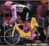 那些年在赛场被UCI毙掉的超级自行车,如今却缺乏创新同质严重